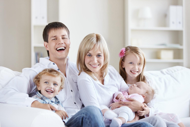 Нам нужен, картинки с тремя детьми